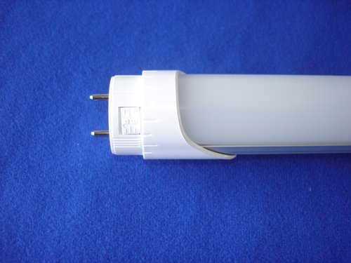 T8 LED with lock endcap
